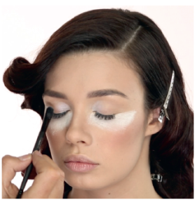 How to deal with makeup fallouts 01