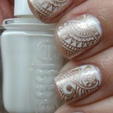 Nail art designs inspired by Indian motifs 05