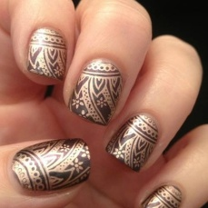 Nail art designs inspired by Indian motifs 06