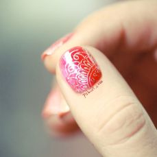 Nail art designs inspired by Indian motifs 09