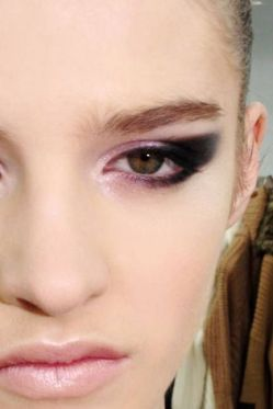 Smokey Eye Makeup for spring 03
