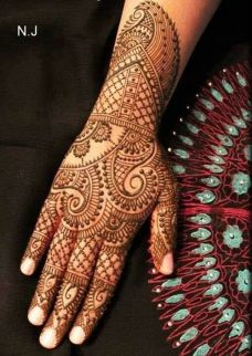 beautiful mehandi designs 23