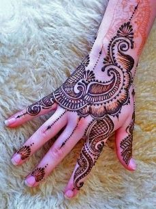 beautiful mehandi designs 24