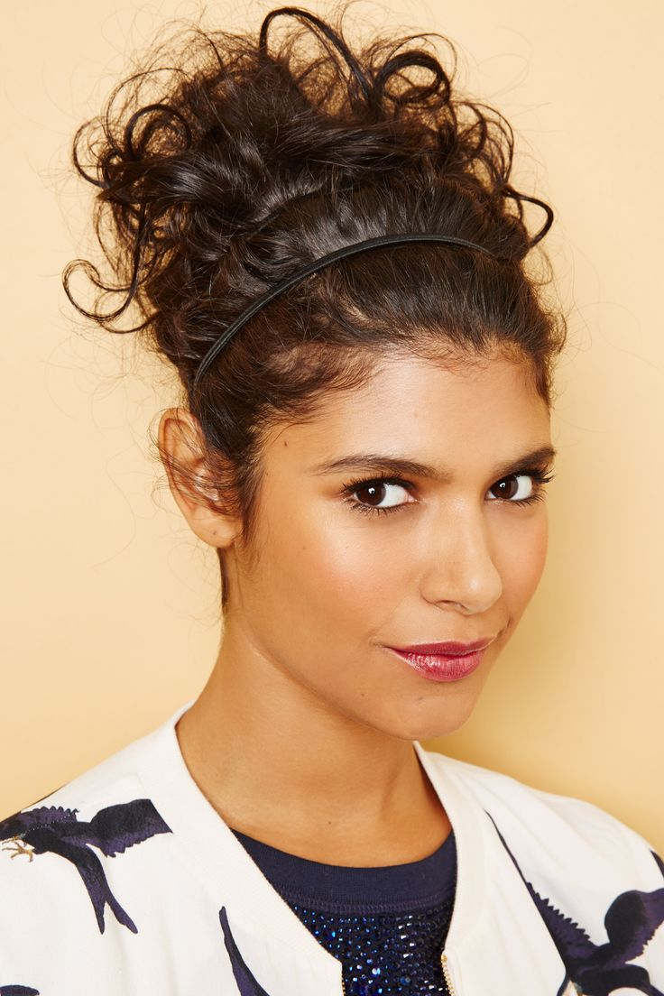Hairstyles for curly hair 34