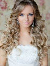 Hairstyles for curly hair 35