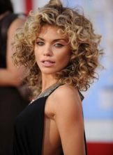 Hairstyles for curly hair 43