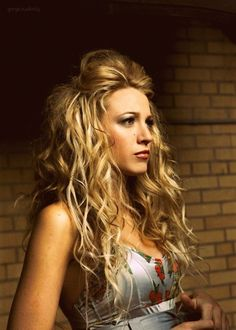 Hairstyles for curly hair 46