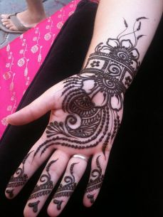 mehndi design for the summer bride 05