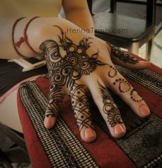 mehndi design for the summer bride 07
