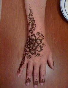 mehndi design for the summer bride 11