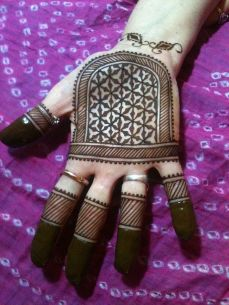 mehndi design for the summer bride 19