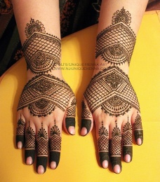 mehndi design for the summer bride 25