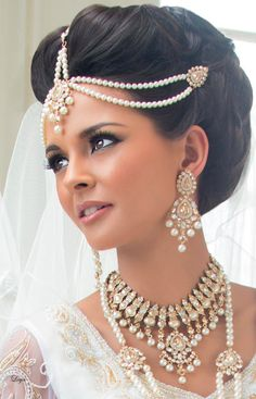 Astounding Top 17 Indian Bridal Hairstyles For Summer Bride Zuri Hairstyles For Men Maxibearus
