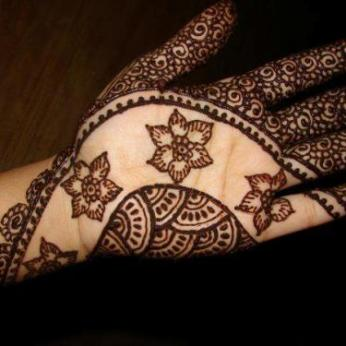 Latest Arabic mehndi design photos 04