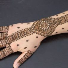 Latest Arabic mehndi design photos 06
