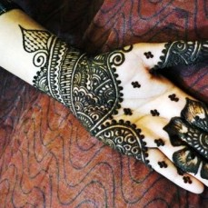 Latest Arabic mehndi design photos 15
