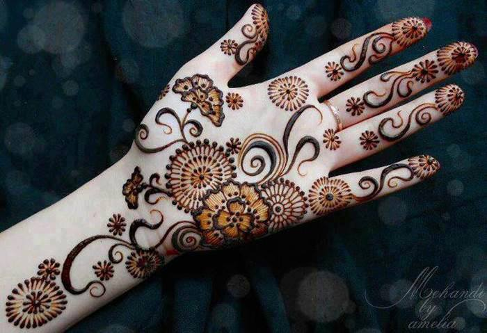 Latest Arabic mehndi design photos 16