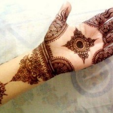 Latest Arabic mehndi design photos 19