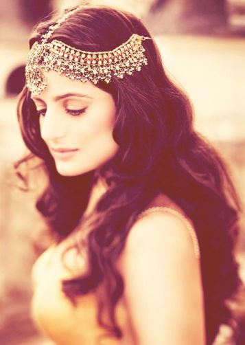 Wedding hairstyles for Indian wedding 06
