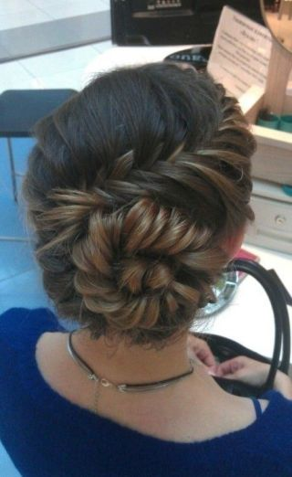 Wedding hairstyles for Indian wedding 10