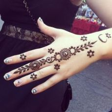 Images of simple mehndi designs for hands 12