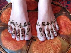 Images of simple mehndi designs for hands 31