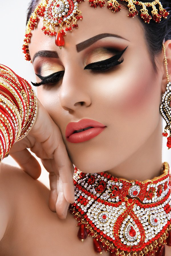 5 Bright wedding makeup tips for a summer bride Indian ...