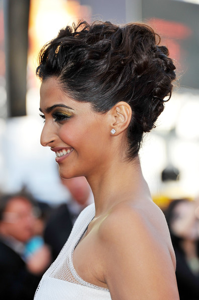 indian bridal hairstyles 106