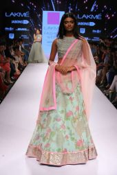 Latest bridal lehenga designs 04