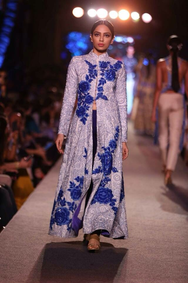 Top 18 Indian Outfits From Manish Malhotra Collection Indian