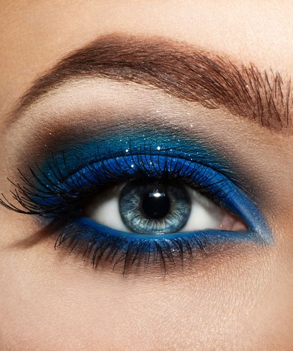 7 Beautiful Smokey Eye Makeup Looks Inspired By Blue And Green
