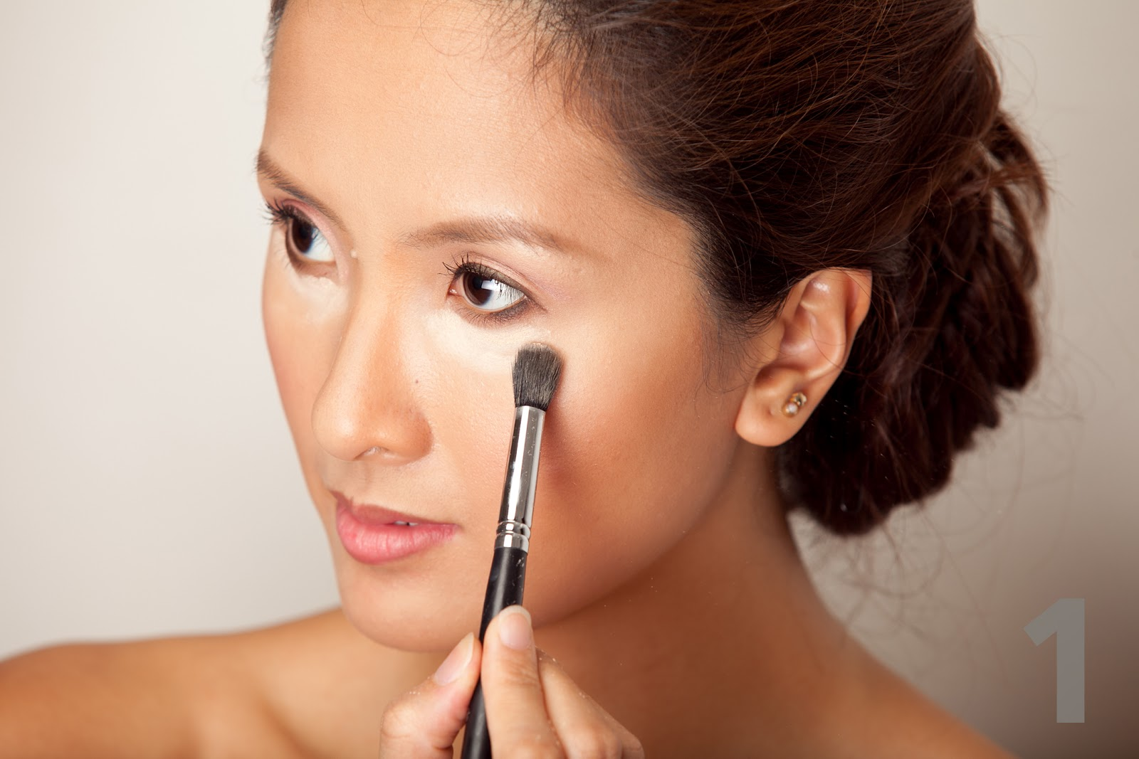 How to makeup face simple at home