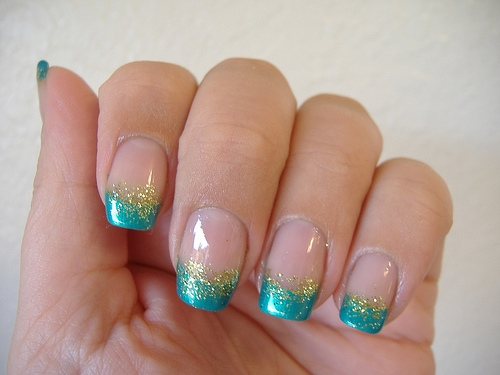Guide to 7 step by step nail art designs that can be done at home for eid indian makeup and - Nail art designs in home ...