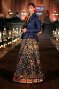 designer lehenga designs for wedding 11