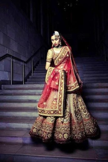 designer lehenga designs for wedding 18