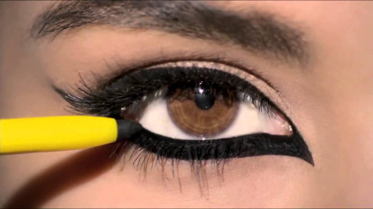 Eye Makeup best eye makeup for small eyes : How to do simple eye makeup using smudge free kajal ...