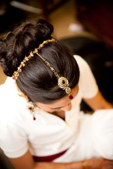 Traditional Indian wedding hairstyles 16