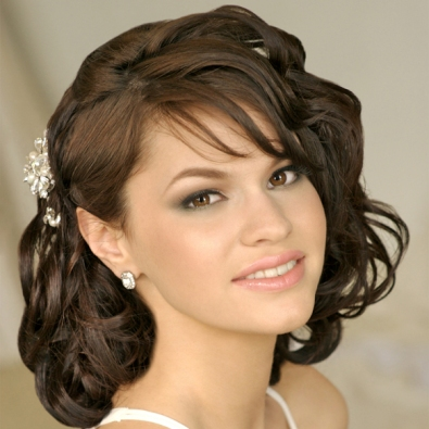 Super 22 Gorgeous Indian Wedding Hairstyles For Short Hair Indian Short Hairstyles Gunalazisus