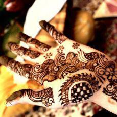 Mehendi Designs for Your Hands 16