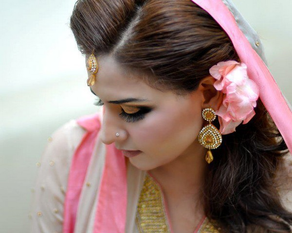 Beautiful Bridal Hairstyle For Long Hair: 18 Stunning Indian Post Wedding Hairstyles For Long Hair