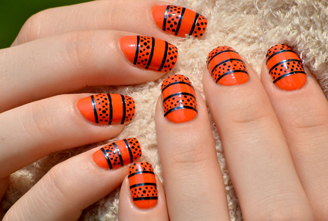 17 gorgeous navratri inspired latest nail art designs indian latest nail art 01 prinsesfo Image collections