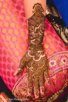 Mehndi design for hands 11