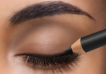 How to apply liquid eyeliner 06
