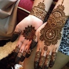 Pretty mehndi designs 17