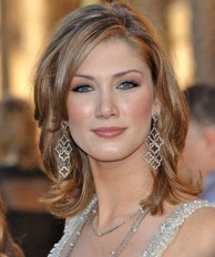 Medium length hairstyles for women 11