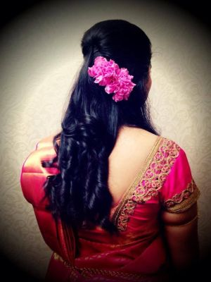 24 Gorgeous Indian Bridal Hairstyles For A Reception Party Indian