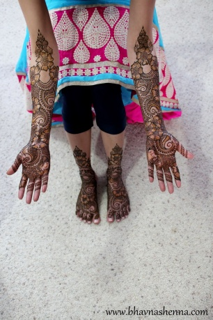 Mehndi designs by Bhavna Naik 02