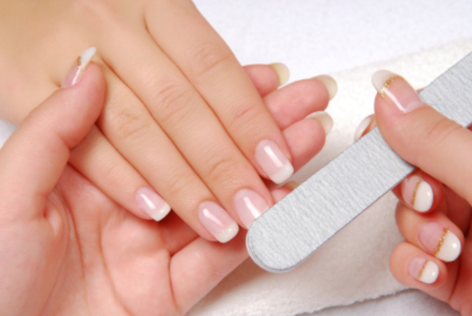 Hot manicure at home 52