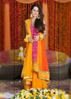 Mehndi outfits 02