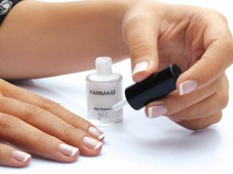 French nail manicure 01
